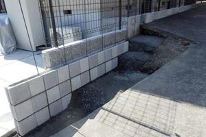 フェンス ブロック積み